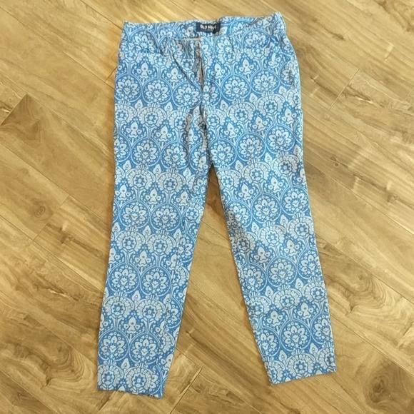 ❄️3/$25 OLD NAVY Blue Daisy Pants - Cropp…